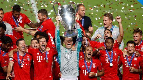 Die Bayern feiernden Champions-League-Sieg in Lissabon