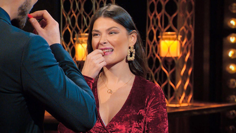 """""""Der Bachelor"""":Stefanie Desiree zwingt Niko zum Essen einer Chilischote"""