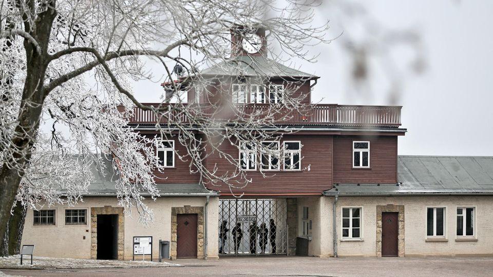 Eingang zur KZ-Gedenkstätte Buchenwald auf dem Ettersberg