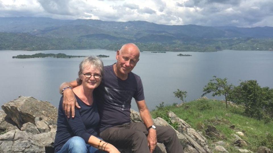 Sind seit Februar 2019 mit einem Mercedes-Sprinter auf Weltreise: die Schweizer Heidi und Werner Gloor