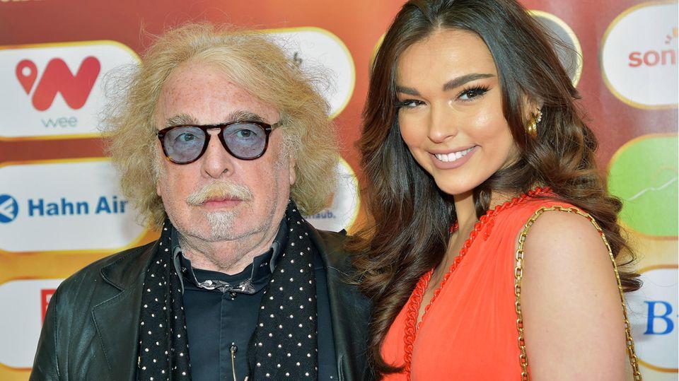 Lili Paul-Roncalli mit ihrem Vater Bernhard