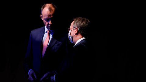 Friedrich Merz (l.), unterlegen im Rennen um den CDU-Parteivorsitz, und Wahlsieger Armin Laschet