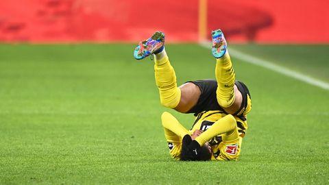 BVB gegen Mainz: Jadon Sancho kopfüber auf dem Rasen