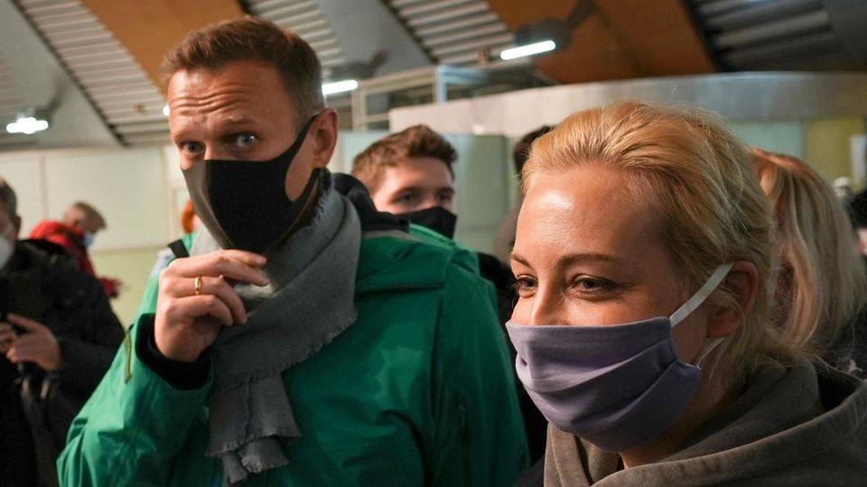 Kremlkritiker Alexej Nawalny mit seiner Frau Julia
