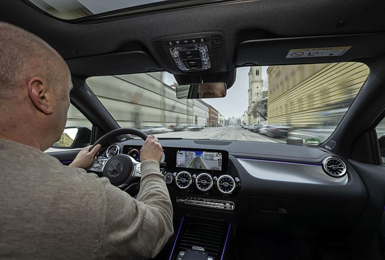 In der Stadt kommt man mit dem Mercedes EQA 250 gut zurecht