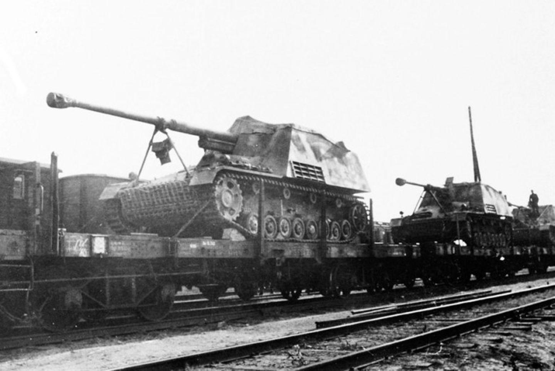 Aus den Fehlern beim Nashorn wurde beim Bau von späteren Jagdpanzern gelernt.