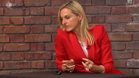 """""""Bares für Rares""""-Händlerin Elisabeth Nüdling lässt sich nicht aus der Ruhe bringen."""