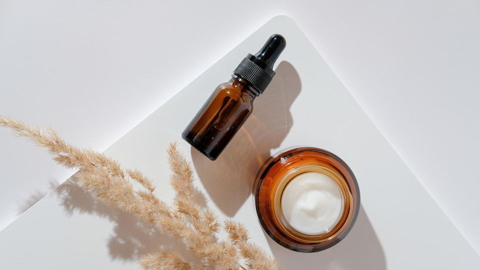 Vegane Kosmetik verzichtet auf Inhaltsstoffe tierischen Ursprungs.