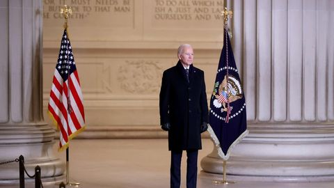 Joe Biden am Lincoln Memorial