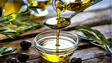 """Reines Öl oder Verschnitt?: Warum """"extra vergine"""" überhaupt nichts heißen muss – so erkennen Sie gutes Olivenöl"""