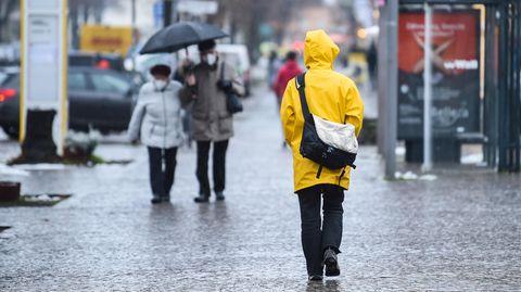 """Der Klassiker """"Ostfriesennerz"""" ist die beste Jacke im Regen, heißt es"""