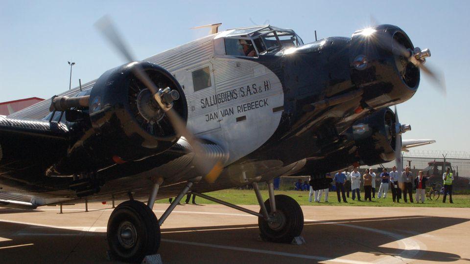 """Ohne neue Reifen keine Flüge: Ju 52 in Johannesburg: Eines der letzten Exemplare verrottet als """"Hangar Queen"""" in Südafrika"""