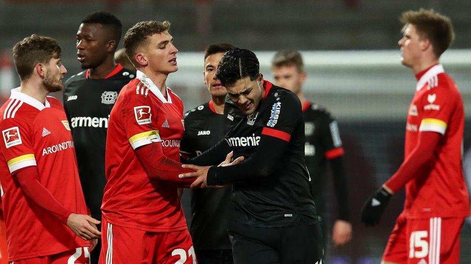 Nadien Amiri (2.v.r.)war mit Spielern von Union Berlin aneinandergeraten, der nun gesperrte Florian Hübner ist nicht im Bild