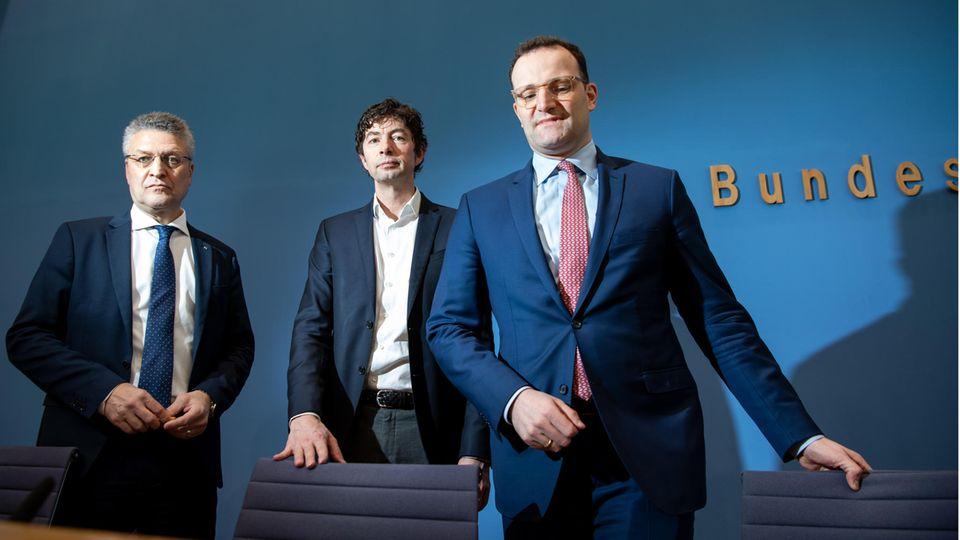 Von links: RKI-Präsident Lothar Wieler, Virologe Christian Drosten und Bundesgesundheitsminister Jens Spahn (CDU)