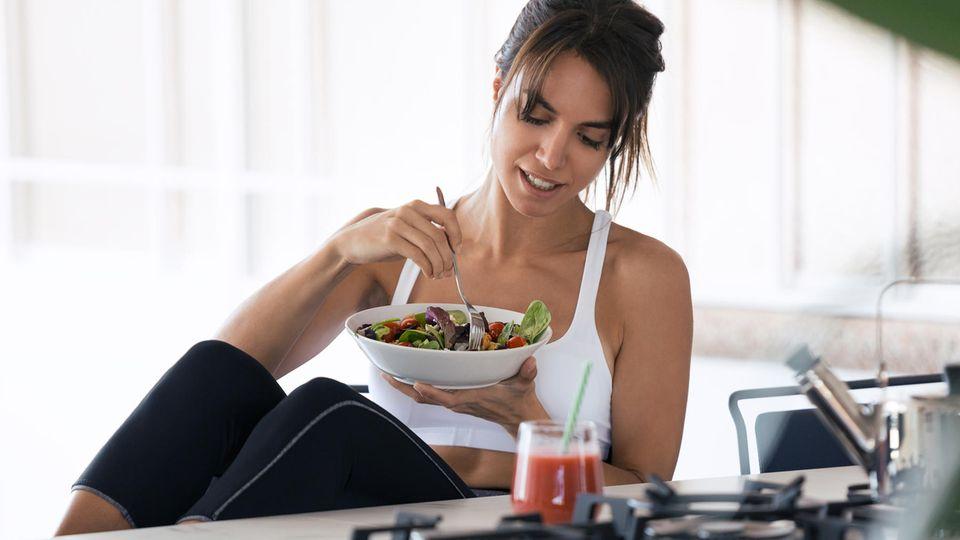 Essen und Bewegung : Mit dieser Formel berechnen Sie Ihren individuellen Kalorien-Bedarf