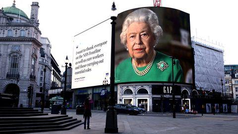 """Auf dem Königsweg: Die Queen und ihre """"glorreichen Sieben"""" sind die Zukunft der Royals – und nicht Harry und Meghan"""