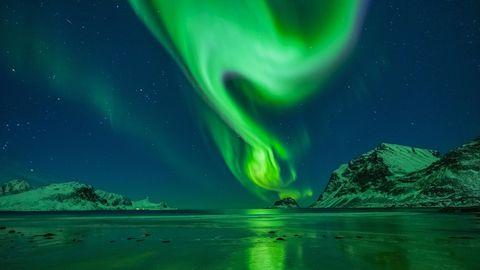 Die Polarlichter können innerhalb weniger Sekundenihre Form und Farbe ändern
