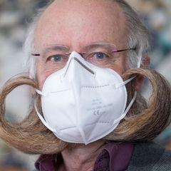 Bartweltmeister mit Maske