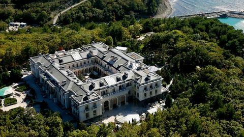 Der Palast von Wladimir Putin aus der Luft