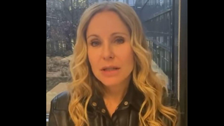 Katja Burkard entschuldigt sich in einem Video