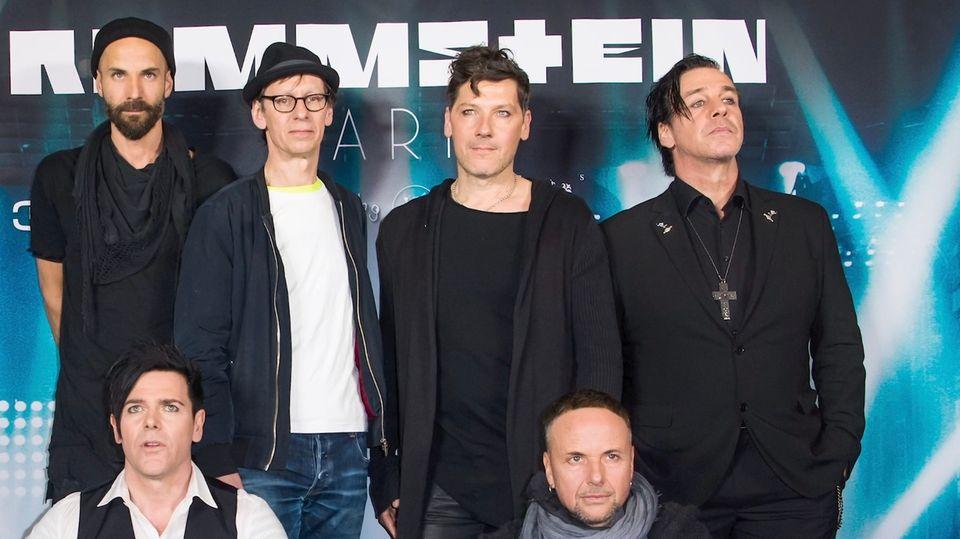 Rammstein: Instagram löscht Kuss-Foto der Band