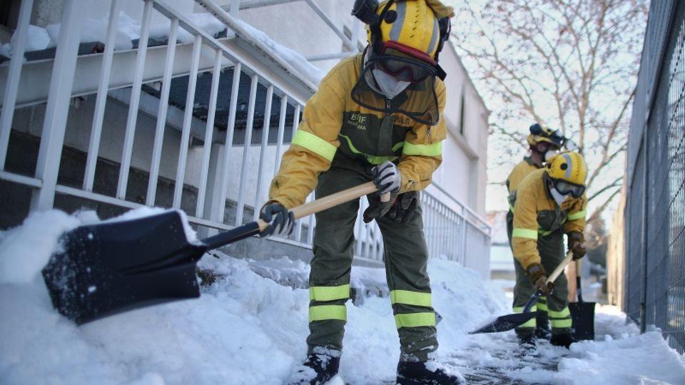 Schneesturm überrollt Madrid im Januar