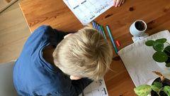 Gute Organisation ist alles: Die Söhne schreiben sich selbst regelmäßig Wochenpläne, damit sie wissen, wann was zu tun ist