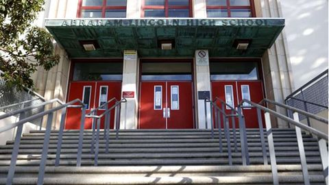 Eingang der Abraham Lincoln High School in San Francisco
