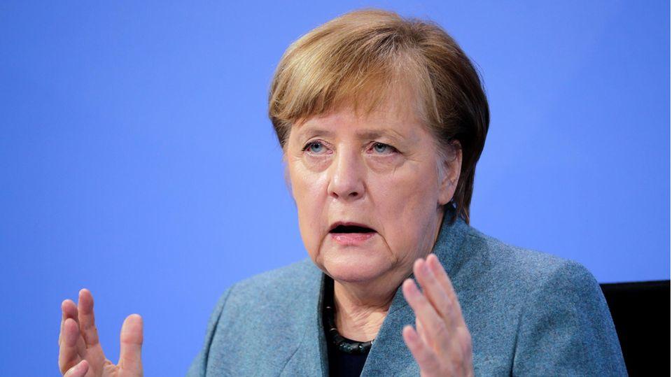 Bundeskanzlerin Angela Merkel (CDU) spricht auf einer Pressekonferenz