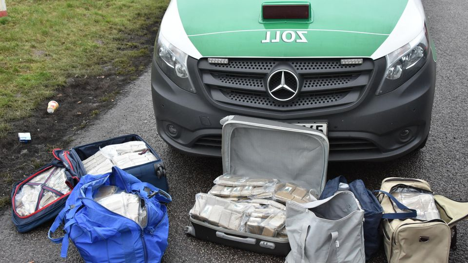 Das Foto für Nachrichten aus Deutschland zeigt die sichergestellten Drogen