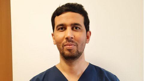 Abdulaziz Kholmatov (28) macht eine Ausbildung zur Pflegefachkraft
