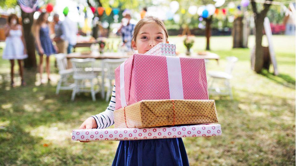Hier finden Sie Inspiration für sinnvolle Geschenke für Achtjährige.