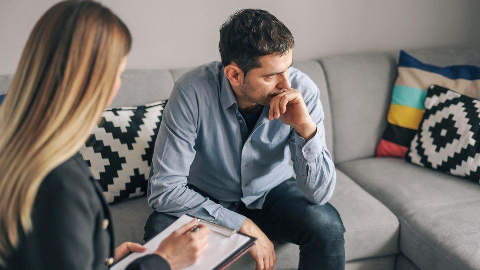 Depressionen, unbewältigte Konflikte: Analyse oder Therapie? So unterscheiden sich die Behandlungsmethoden psychischer Krankheiten