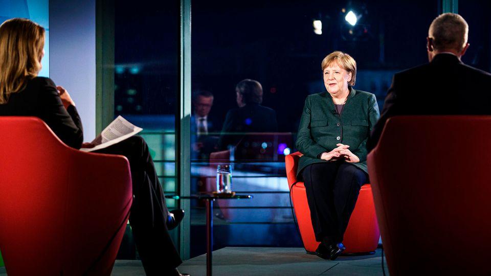 """Bundeskanzlerin Angela Merkel (CDU) in der ARD-Sendung """"Farbe bekennen"""""""