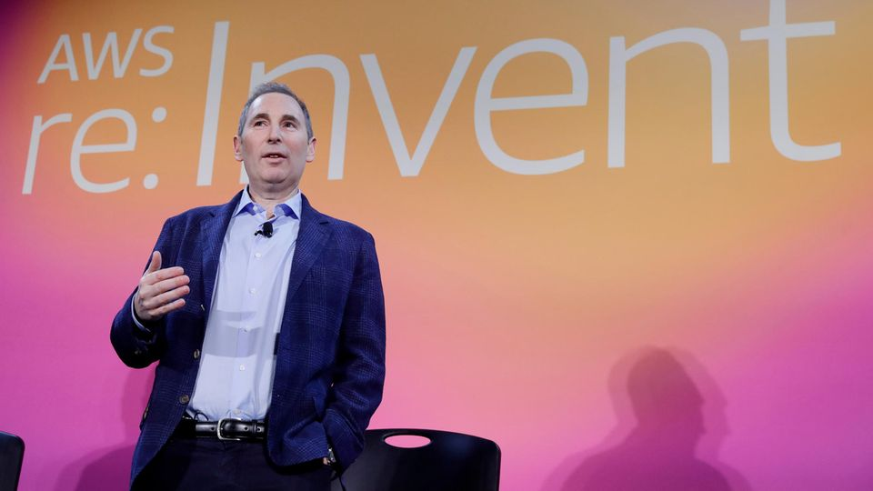 Andy Jassy abgeben, Leiter des boomenden Cloud-Geschäfts, soll Bezos' Posten als CEO übernehmen