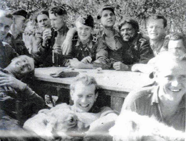 Gruppenbild von Knispels Zug.