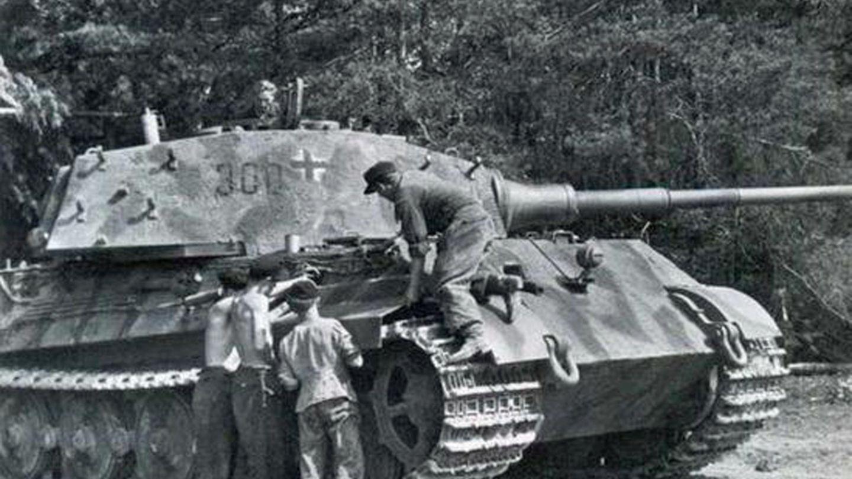 Ende April 1945 bestand die 503. Schwere Panzerabteilung nur noch aus acht Tiger II.
