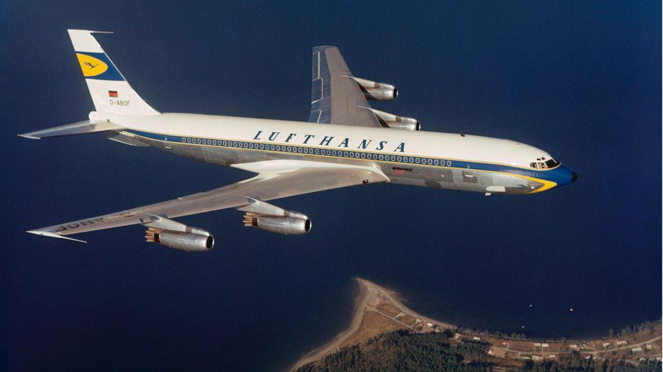 Das Flaggschiff der Lufthansa in den 1960er Jahren: Bis zum 30. April 1977waren die Jets vom Typ Boeing 707-430 im Einsatz.