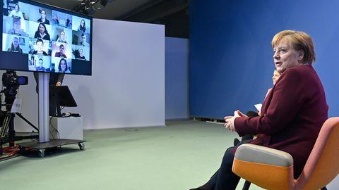 Angela Merkel im Dialog mit Familien