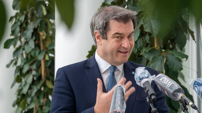 Bayerischer Ministerpräsident Markus Söder antwortet Journalisten bei Pressekonferenz