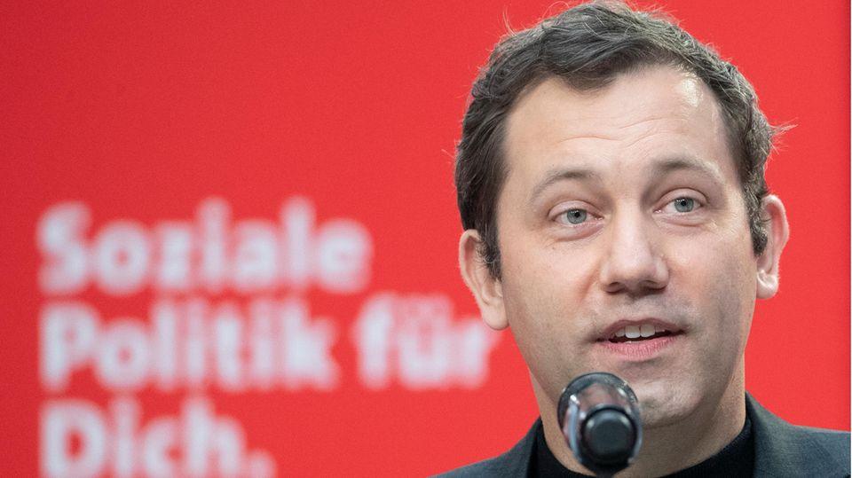 Reisende Fußballersind keingutes Signal, findet SPD-Generalsekretär Lars Klingbeil