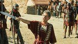 In der Serie spieltPeter O'Toole den Statthalter Cornelius Flavius Silva.