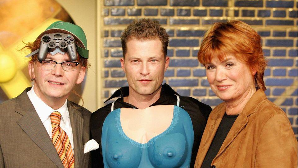 """Schauspieler Til Schweiger mit den Moderatoren Christine Westermann und Gštz Alsmann bei der Aufzeichung der WDR Sendung """"Zimmer frei"""" am 7.3.2005"""