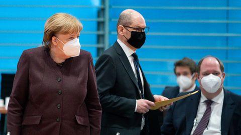Bundeskanzlerin Angela Merkel, Finanzminister Olaf Scholz und Kanzleramtsminister Helge Braun