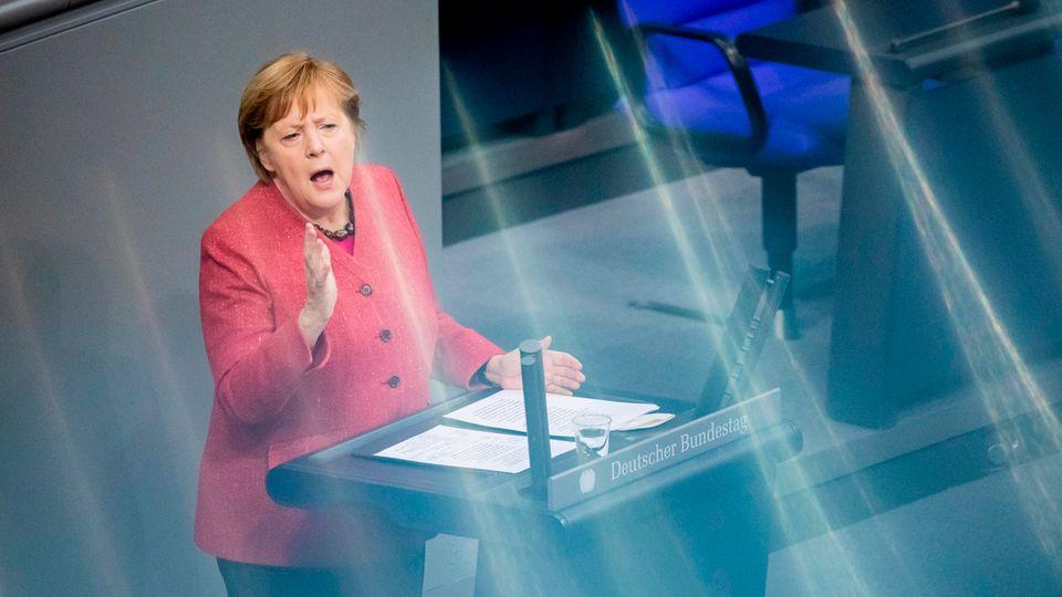 Bundeskanzlerin Angela Merkel im Bundestag