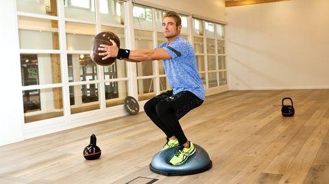 Fitnessgeräte Zuhause: Fitness-Coach Maximilian Longrée