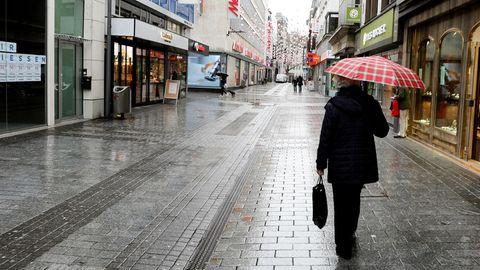 """Einzelhändler warnen vor """"Panikkäufen"""" bei Geschäftsschließungen vor 24. Dezember"""