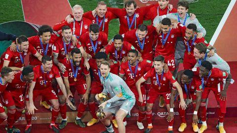 Bayern mit Klub-WM-Pokal