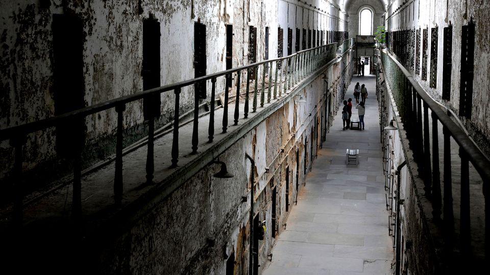 Panopticon des Jeremy Bentham: Das perfekte Gefängnis – wie ein Philosoph einen grausamen Ort schuf