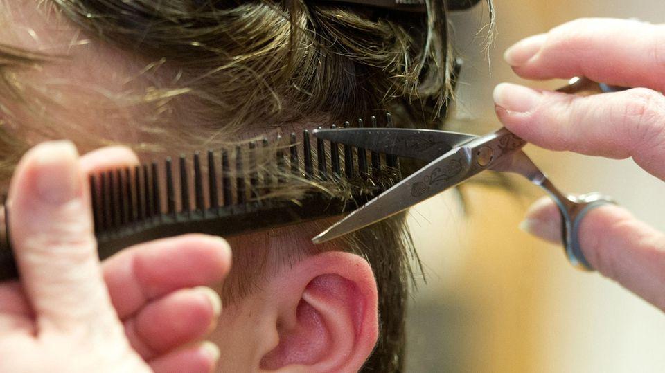 Ab dem 1. März werden wieder Haare geschnitten: Neue Hygieneregeln: So sieht ein Friseurbesuch künftig aus